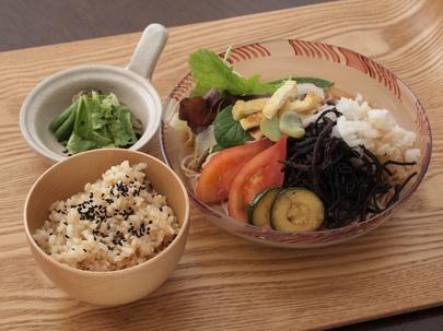 夏野菜ひじきそば-1.JPG
